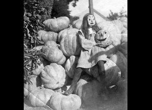 昔のハロウィンの仮装
