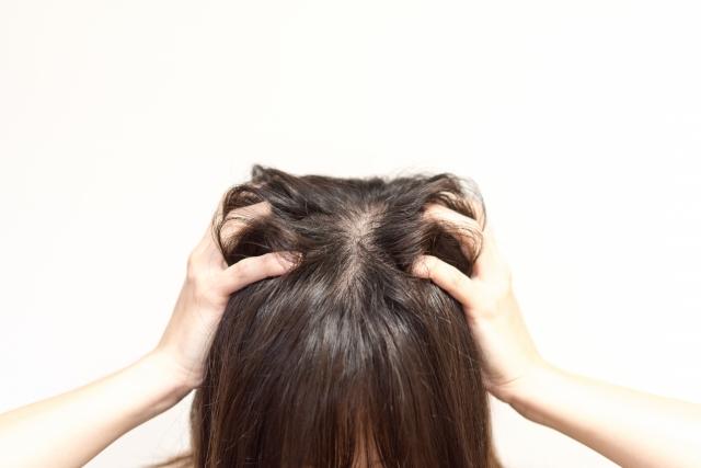 頭皮の赤みやかゆみの原因を徹底追究!貴方は4つのうちどれに該当?