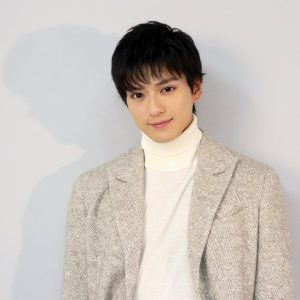 新田真剣佑髪型