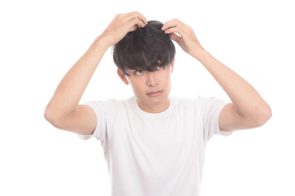 ヘアアイロンを濡れた髪で使用