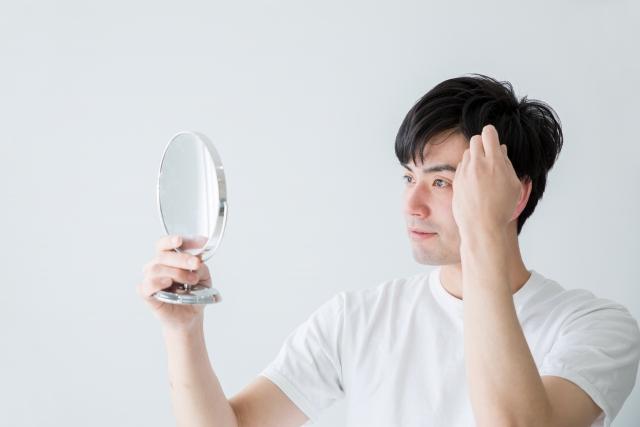 頭皮の乾燥が気になる男性